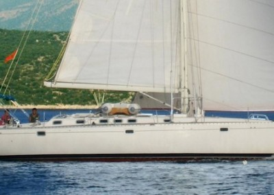Oceanis 510 under sail