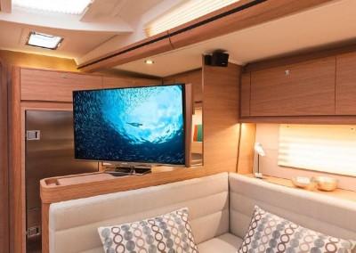 Dufour 560 flat tv screen