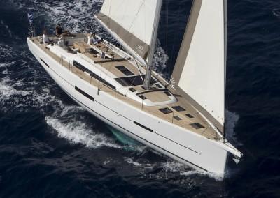 Dufour-560-under-sail-front