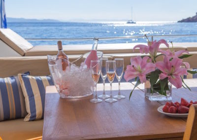 Fountaine-Pajot 57 welcome drinks